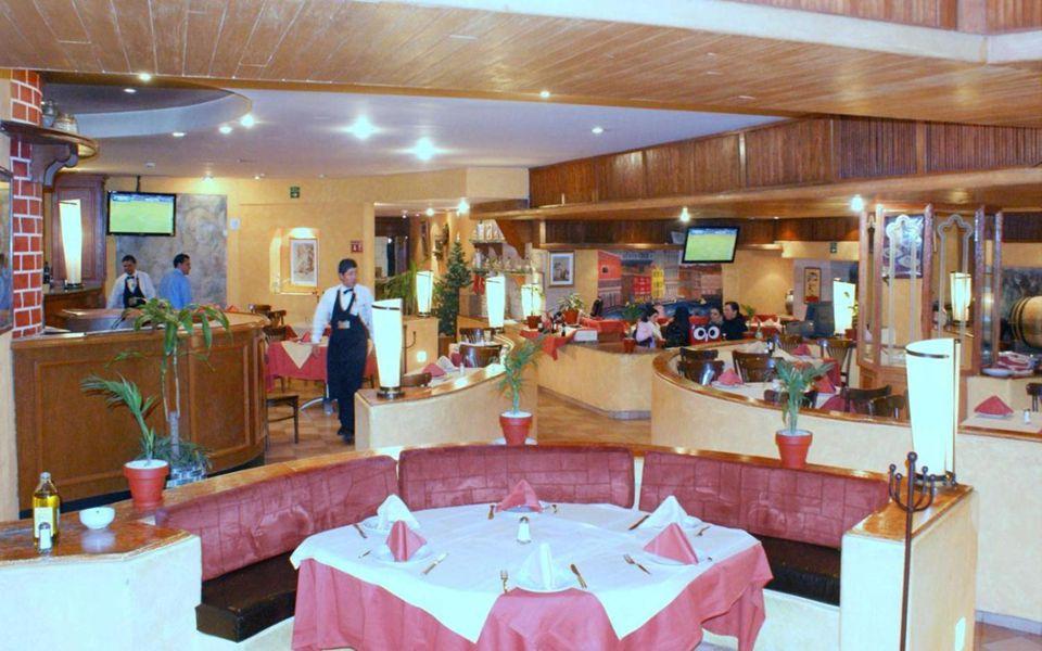 Compas, saliendo de la comida de la Gen 58 de Ex Patrias que tuvo lugar en Los Morales 1 dic 2011, a las 8 pm empezaba la Cena Anual de la Gen 59.