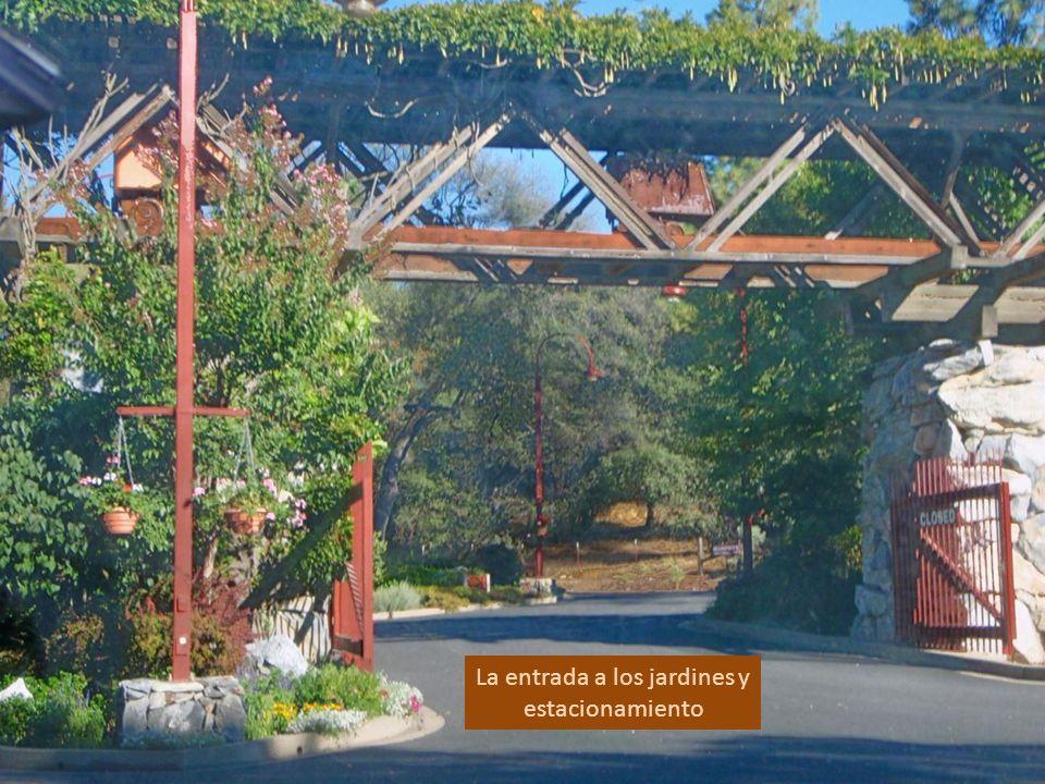 Viñedos Ironstone en la Hermosa Sierra de Foothills, Murphys, CAL., famosos por su museo, vinos y jardines.