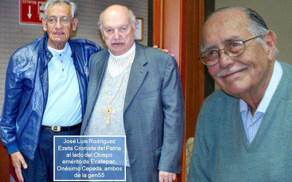 Onésimo Cepeda primer obispo de Ecatepec retirado, se tomó foto con Carlos Urbina, su compa de Gen.