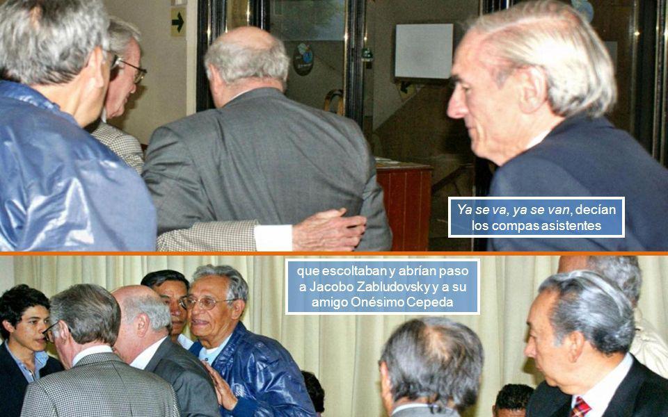 José Luis Rodríguez Ezeta Cronista del Patria al lado del Obispo emérito de Ecatepac, Onésimo Cepeda, ambos de la gen55