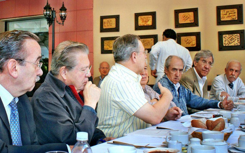 ASISTIERON A LA MANSION, A LA REUNION DE COLABORADORES PARA LA COMIDA DE TODAS LAS GENERACIONES DEL 27 DE JULIO 2012 EN ORDEN AFABÉTICO: AGUSTIN GARCI