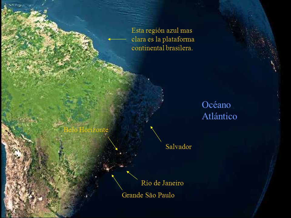 En las primeras fotos, el anochecer de Brasil: La primera nos da una vista real y la segunda, con un efecto de satélite, resalta las luces de las ciudades.
