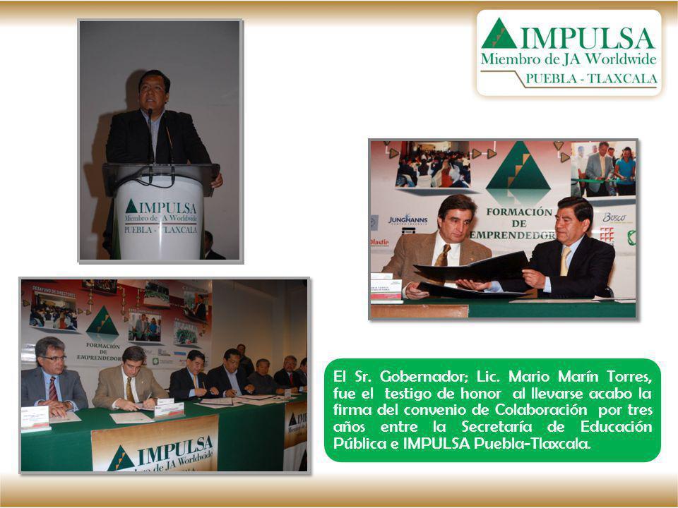 El Sr. Gobernador; Lic. Mario Marín Torres, fue el testigo de honor al llevarse acabo la firma del convenio de Colaboración por tres años entre la Sec