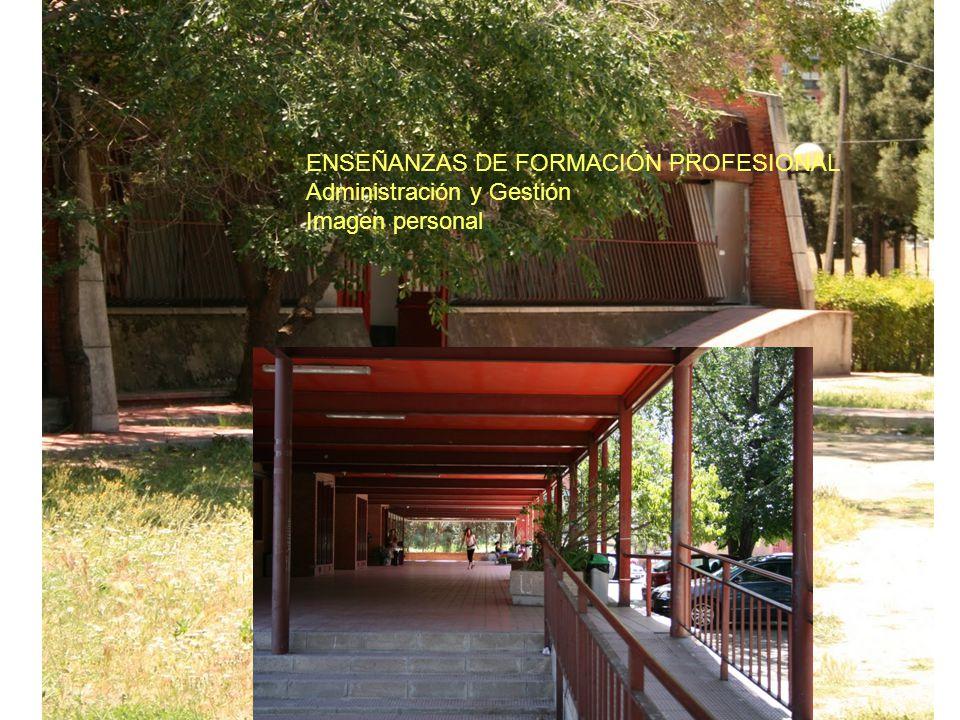 20 AULAS DOTADAS DE PROYECTOR 2 LABORATORIOS 2 AULAS TECNOLOGÍA SALÓN DE ACTOS / TEATRO 3 AULAS INFORMÁTICAS (ESO