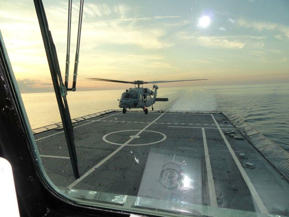 Los Sikorsky SH-60 Seahawk, están capacitados para cargar y lanzar misiles de ataque a naves de guerra en superficie. Para su lucha antisubmarina, est