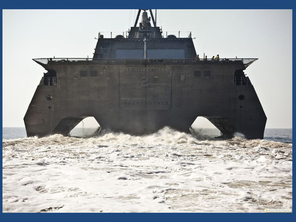 El buque, no está designado como base para el Bell-Boeing V-22 Osprey (águila pescadora), pero su cubierta de vuelo es lo suficientemente amplia como