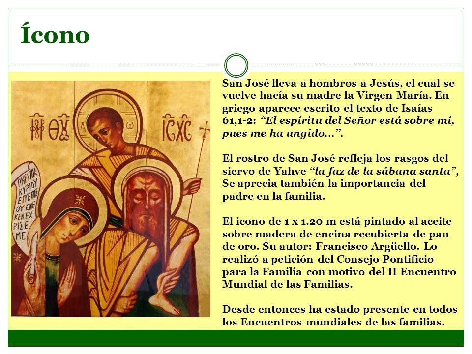 Ícono San José lleva a hombros a Jesús, el cual se vuelve hacía su madre la Virgen María. En griego aparece escrito el texto de Isaías 61,1-2: El espí