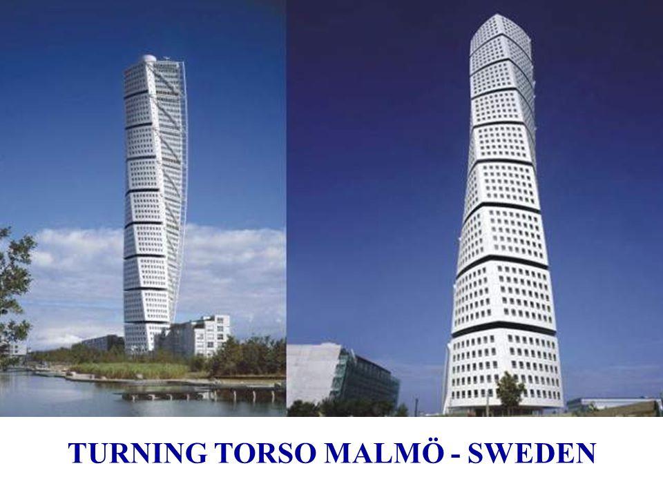 Turning Torso : Malmö Suecia, 2001 ÷ 2005 Turning Torso ha logrado en Cannes 2005 el premio MIPIM al mejor edificio residencial.Cannes MIPIM Inspirado