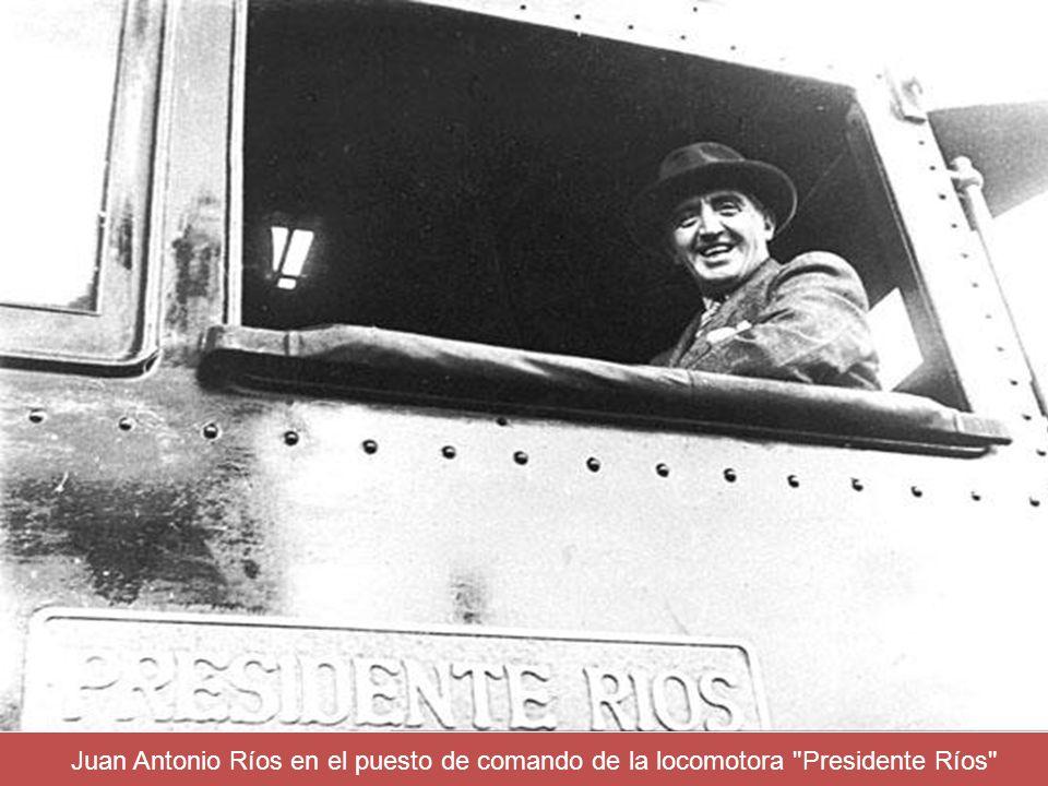 Juan Antonio Ríos en el puesto de comando de la locomotora