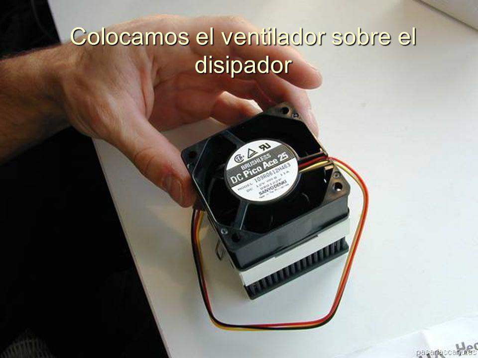 ENSAMBLAJE Y MANTENIMIENTO DE COMPUTADORAS ENSAMBLAJE DE COMPUTADORA UNIVERSIDAD CATOLICA BOLIVIANA SAN PABLO GESTIÓN - 2006 Montamos el separador del ventilador