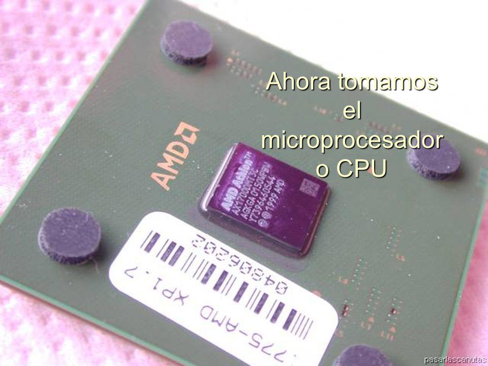 ENSAMBLAJE Y MANTENIMIENTO DE COMPUTADORAS ENSAMBLAJE DE COMPUTADORA UNIVERSIDAD CATOLICA BOLIVIANA SAN PABLO GESTIÓN - 2006 Ahora tomamos el microprocesador o CPU