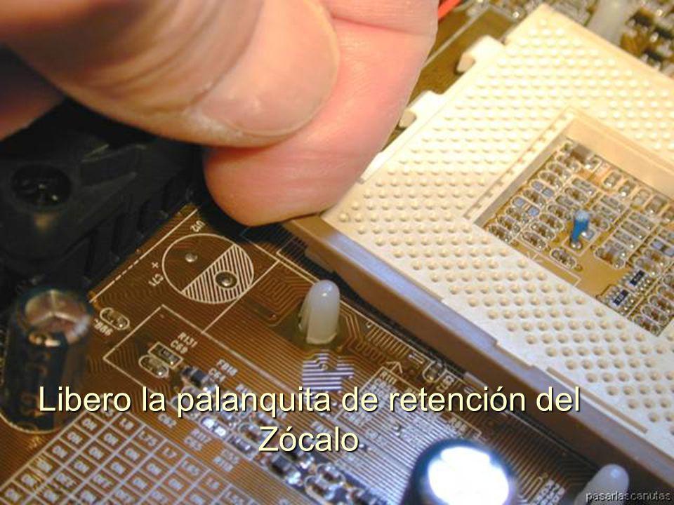 ENSAMBLAJE Y MANTENIMIENTO DE COMPUTADORAS ENSAMBLAJE DE COMPUTADORA UNIVERSIDAD CATOLICA BOLIVIANA SAN PABLO GESTIÓN - 2006 Parte articulada del otro lado del disipador