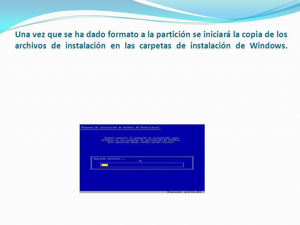 Una vez que se ha dado formato a la partición se iniciará la copia de los archivos de instalación en las carpetas de instalación de Windows.