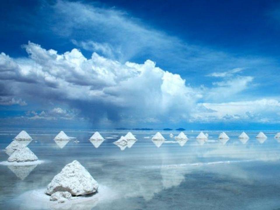 Salar de Uyuni.- Bolivia Es la salina más grande del mundo con una superficie de 10.582 kilometros cuadrados.