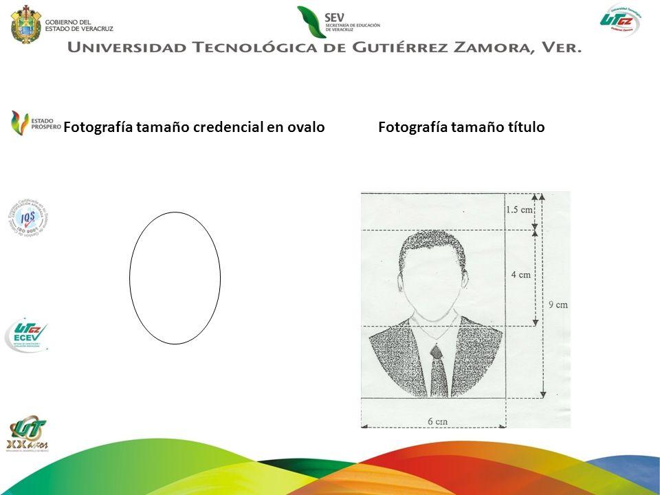 Fotografía tamaño credencial en ovaloFotografía tamaño título