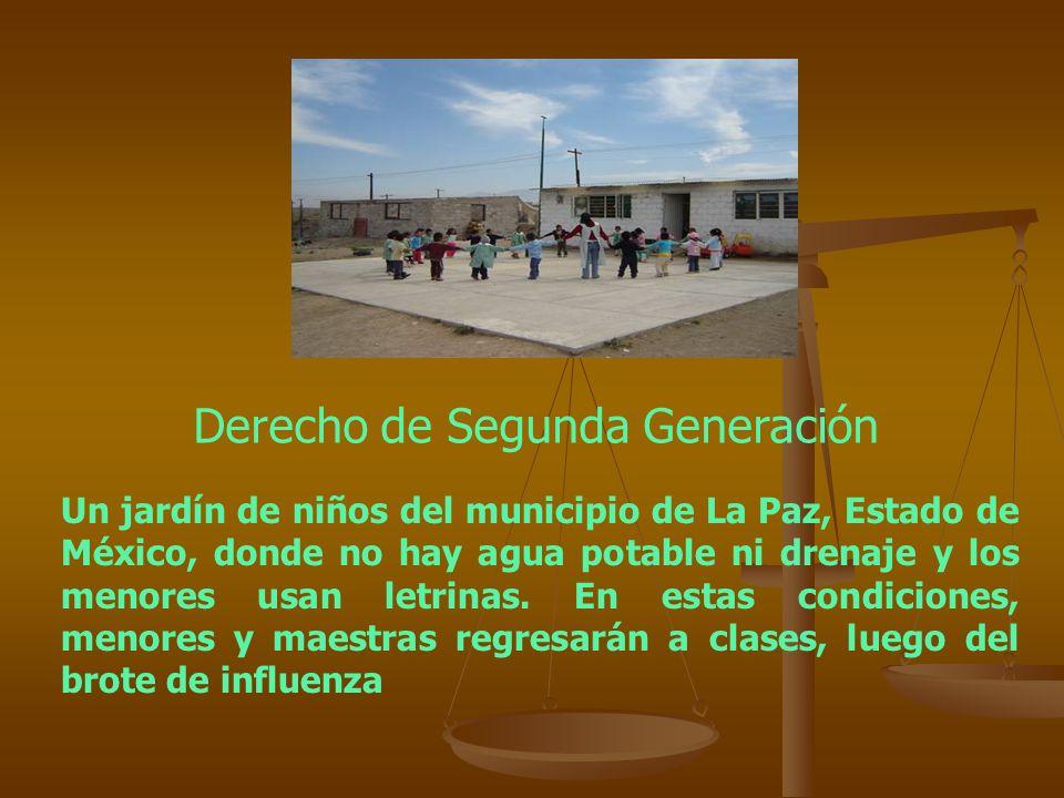 Un jardín de niños del municipio de La Paz, Estado de México, donde no hay agua potable ni drenaje y los menores usan letrinas. En estas condiciones,