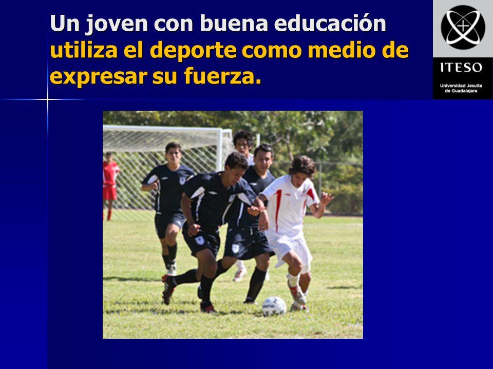 Un joven con buena educación utiliza el deporte como medio de expresar su fuerza.