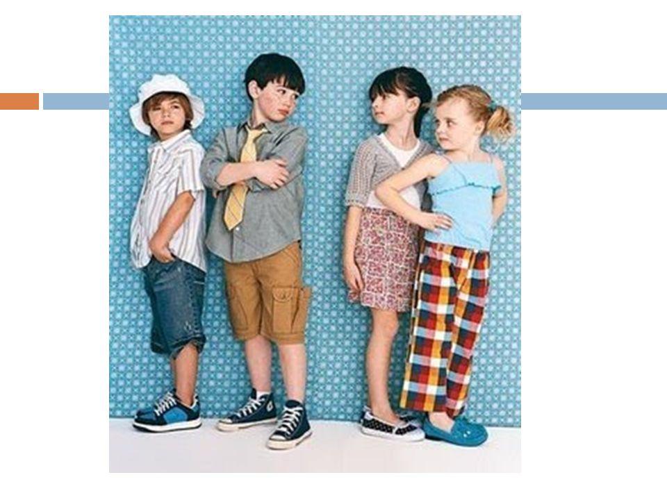Rol de género El rol de género es el conjunto de las formas de comportamiento socialmente prescritas para un hombre y para una mujer.