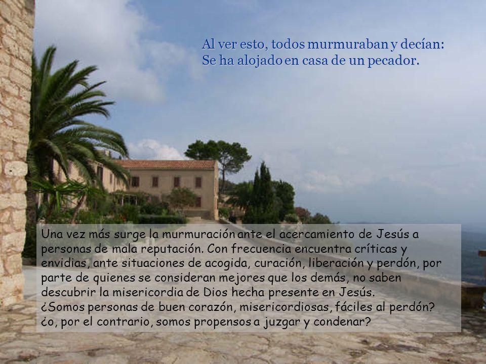 Cuando Jesús llegó a aquel lugar, levantó los ojos y le dijo: –Zaqueo, baja en seguida, porque hoy tengo que alojarme en tu casa. Él bajó a toda prisa