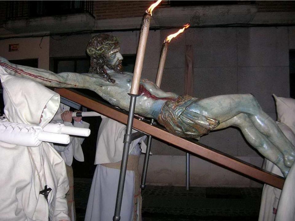 Procesión de la Buena Muerte, medianoche de Lunes Santo