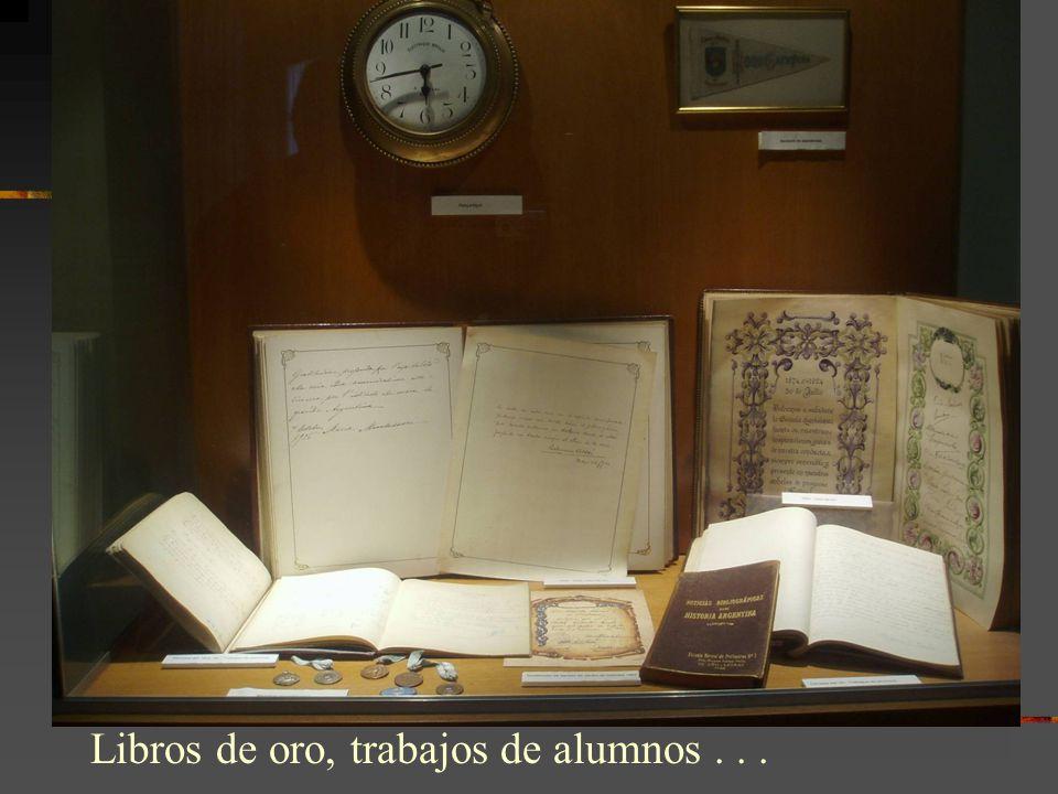 Libros de oro, trabajos de alumnos...