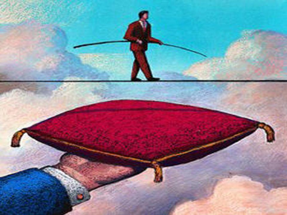 Refinamiento del riesgo El proceso de reiterar los riesgos como un juego de riesgos más detallados que serán más fáciles mitigar, supervise, y maneja.