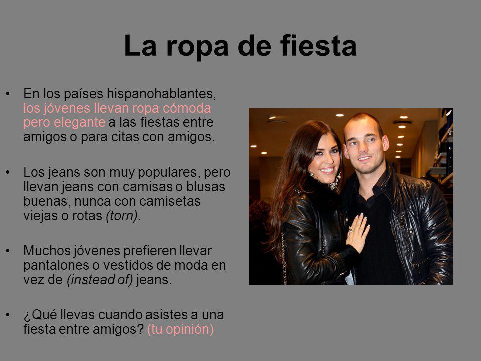 La familia y los eventos especiales En los países hispanohablantes, los primeros invitados a un evento especial generalmente son los miembros de la familia.