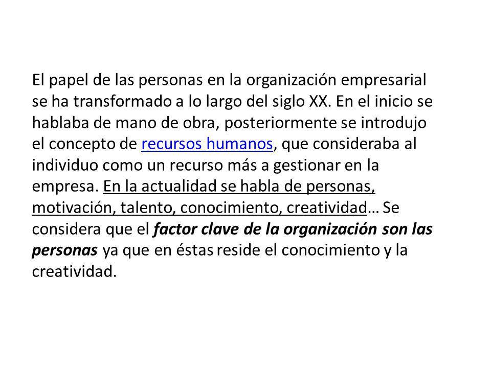 El modo de ser chileno a)Paternalismo: Desde la hacienda, en que el patrón era quien ofrecía protección.