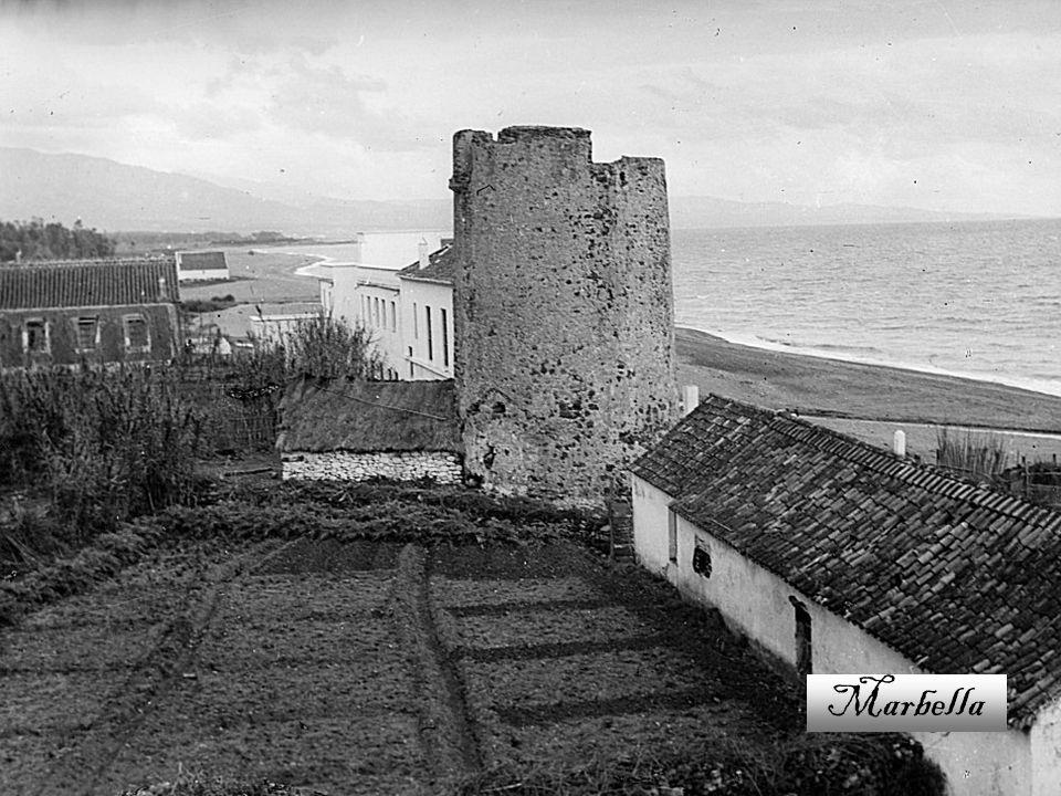 Ciudad al sur de España, perteneciente a la provincia de Málaga, en la comunidad autónoma de Andalucía. Está situada a orillas del Mediterráneo, entre