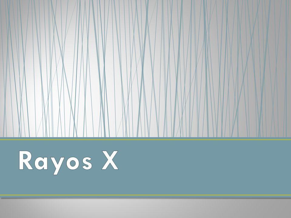 Los rayos x son radiaciones electromagnéticas de longitud de onda corta que se producen cuando se desaceleran los electrones de alta energía o por transiciones de electrones que están en orbitales internos de los átomos.