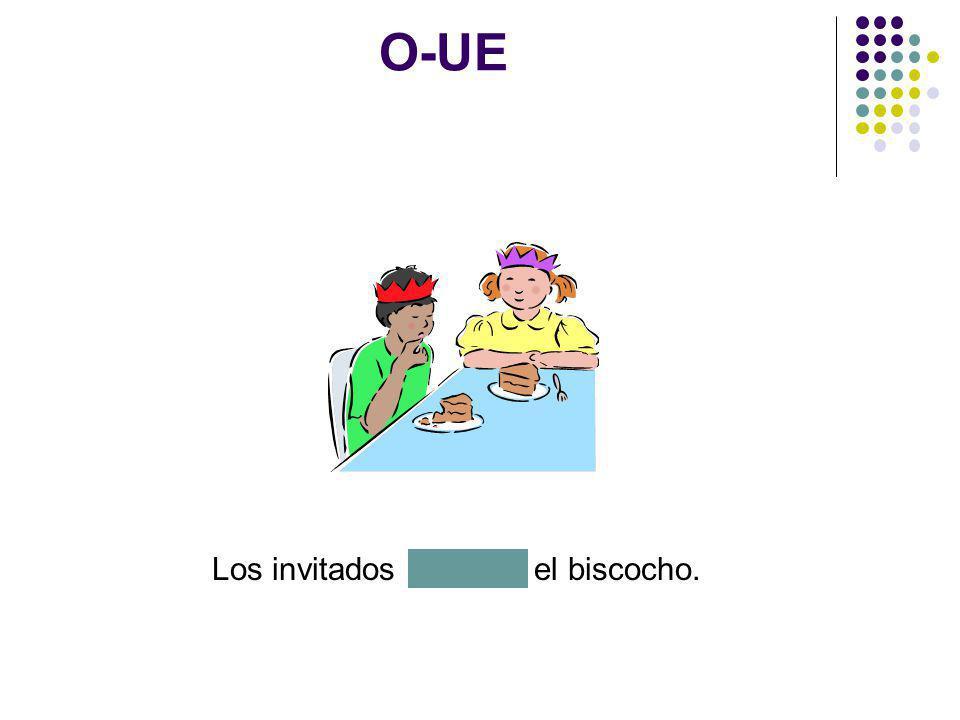 O-UE El abuelo muestra las fotografías de México a las nietas.