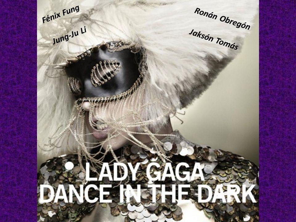 LA MUJER GAGA Probablemente hayas oído de la Mujer Gaga, una cantante que hace sólo seis años era una pianista desconocida, pero ya es conocida en cada rincón del mundo.