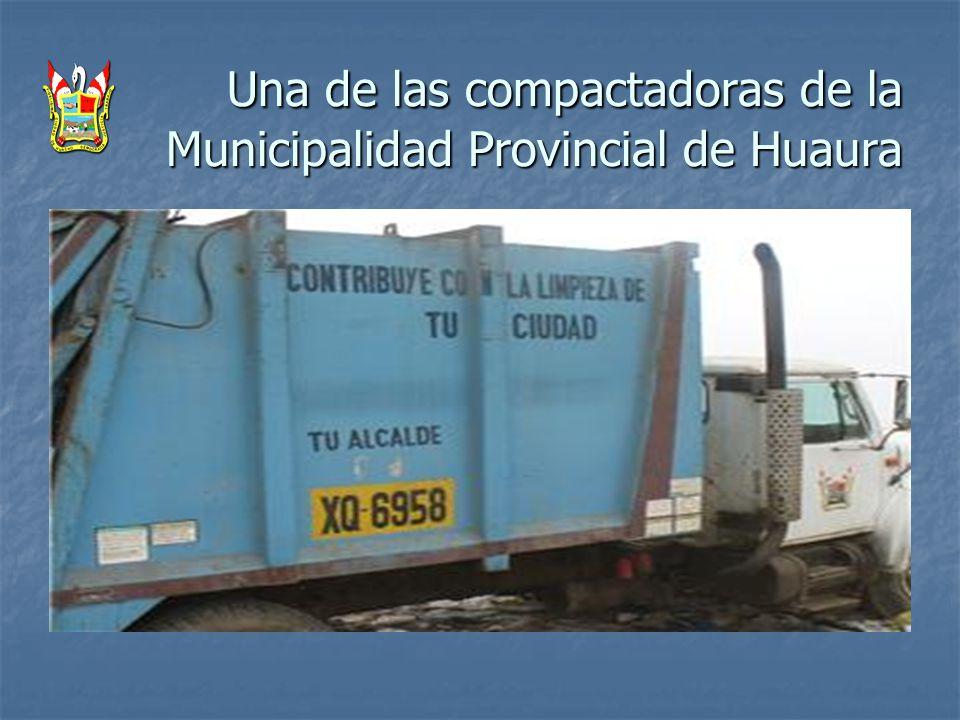 Una de las compactadoras de la Municipalidad Provincial de Huaura Una de las compactadoras de la Municipalidad Provincial de Huaura
