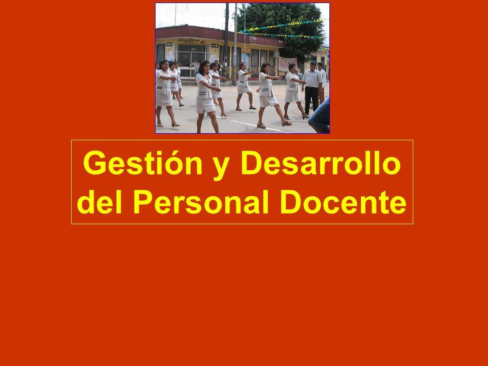Desarrollo Curricular EXPERIENCIAS DE LAS REGIONES Base: Voces de las Regiones-Foro Educativo AREQUIPA. Propuesta de Lineamiento de Política En elabor