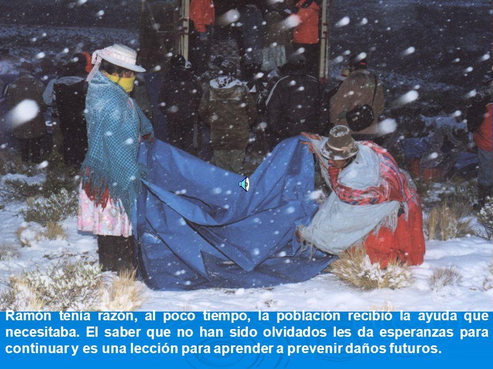 Bajo el tibio sol del nevado amanecer, la sonrisa infantil rompe el frío invernal ¡Hoy el frío será menos intenso!