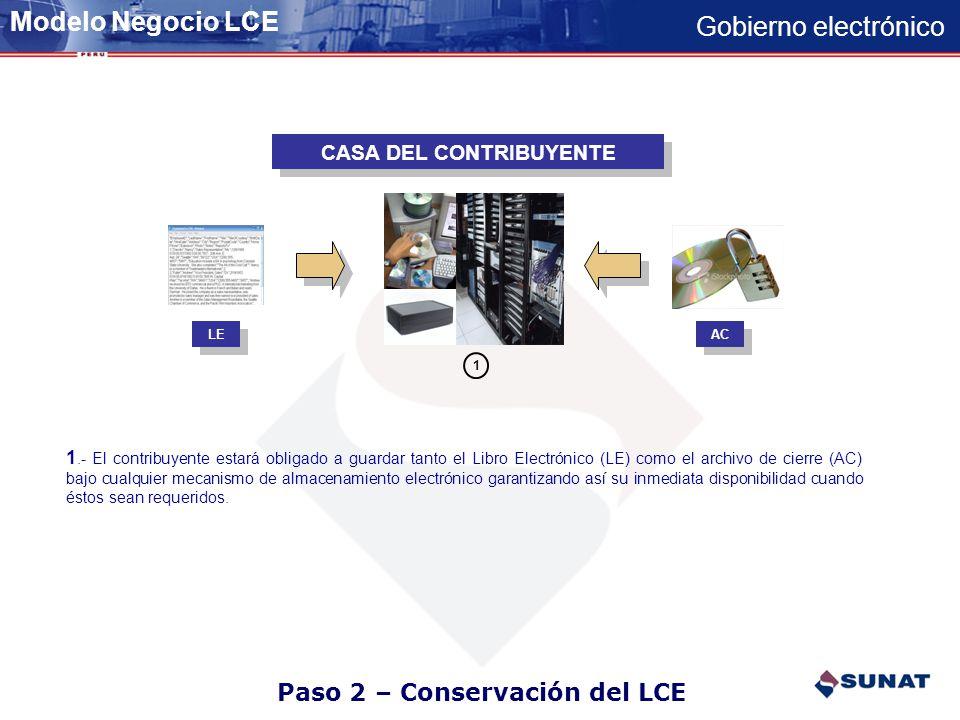 Paso 1 – Generación del LCE CASA DEL CONTRIBUYENTE SUNAT 12 1.- El contribuyente descarga de sus sistemas un archivo plano por cada libro según la estructura y validaciones publicadas por SUNAT en su pagina WEB 2.- El contribuyente a través del PLE- lee el archivo plano generado, lo valida y de estar OK genera un archivo de cierre 3.- El contribuyente remite periódicamente a SUNAT -a través de SOL- el Archivo de Cierre de su Libro Electrónico.