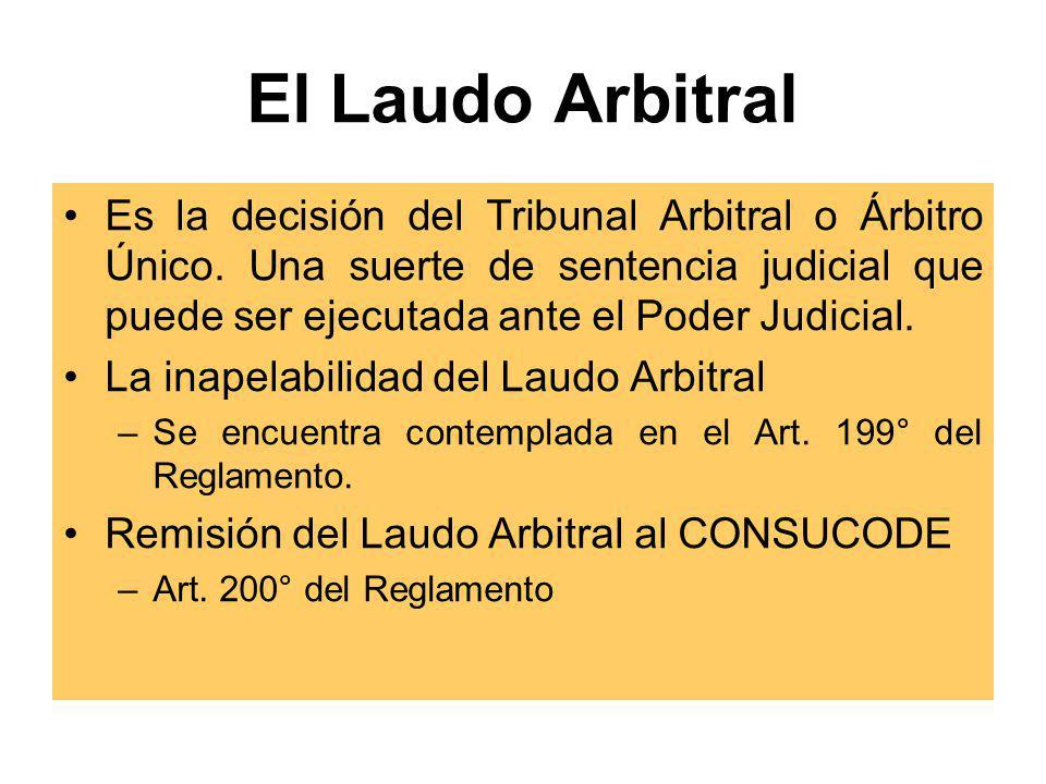 Procedimiento Recusación de Árbitros en Arbitrajes Ad Hoc Arbitro único y Tribunal no instalado Tribunal instalado COMUNICACIÓN AL CONSUCODE DE CAUSAL CONSUCODE NOTIFICA AL ARBITRO ARBITRO ABSUELVE RECUSACION CONSUCODE RESUELVE Y NOTIFICA 2 DIAS 3 DIAS 5 DIAS COMUNICACIÓN AL TRIBUNAL DE CAUSAL TRIBUNAL NOTIFICA AL RECUSADO ARBITRO ABSUELVE RECUSACION TRIBUNAL RESUELVE Y NOTIFICA 3 DIAS 5 DIAS Este procedimiento se aplica al caso de recusación de 2 o 3 miembros del Tribunal arbitral instalado