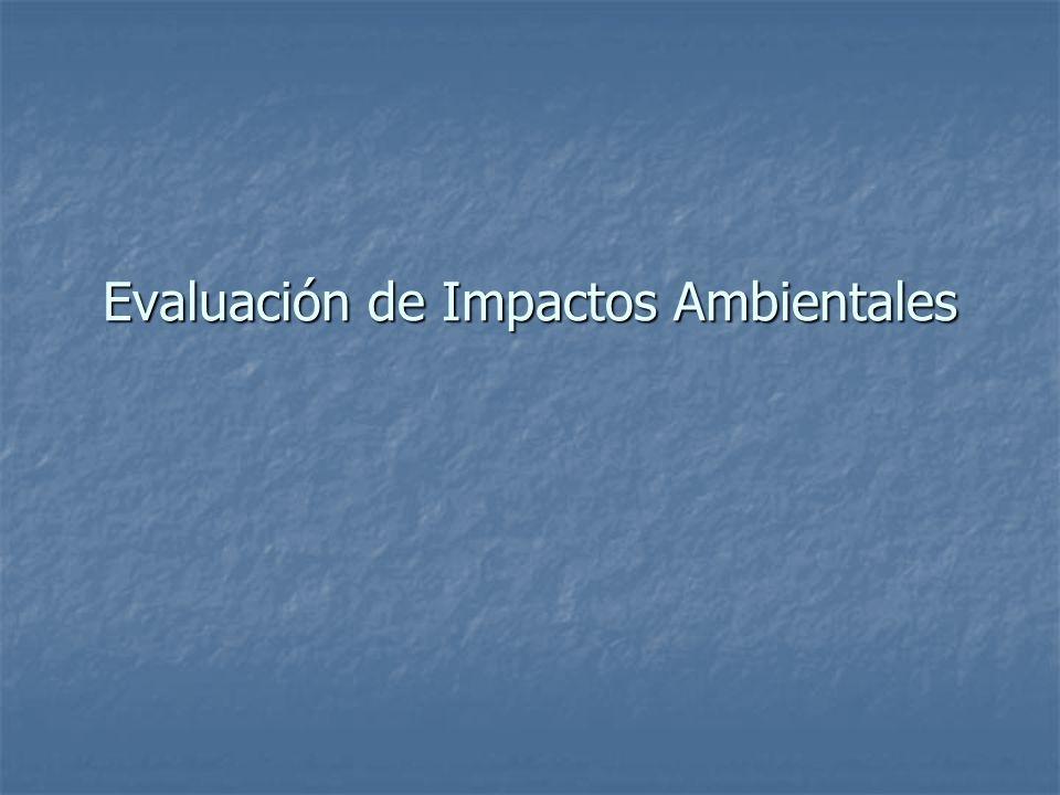 Etapas Usuales de la EIA Evaluación Evaluación Etapa determinante para la toma de decisión Etapa determinante para la toma de decisión Este paso trata de evaluar la importancia de los impactos ambientales Este paso trata de evaluar la importancia de los impactos ambientales Presenta resultados bajo una forma uniforme Presenta resultados bajo una forma uniforme Valora los impactos Valora los impactos Hace el llamado a una serie de metodologías y criterios Hace el llamado a una serie de metodologías y criterios Identifica y recomienda medidas de atenuación con el fin de minimizar los impactos Identifica y recomienda medidas de atenuación con el fin de minimizar los impactos El análisis puede obligar a regresar a etapas anteriores El análisis puede obligar a regresar a etapas anteriores