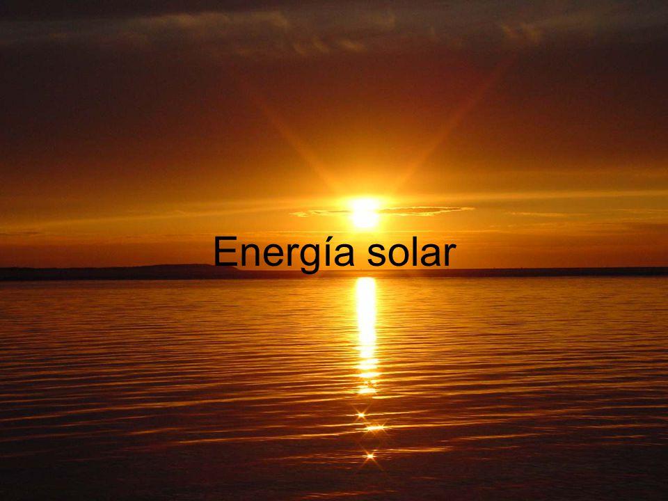 Índice La energía solar 1.Introducción 2.Historia 3.Transformaciones 4.Repercusión actual 5.Ventajas y desventajas 1.Tecnologías solares 1.Energía térmica Cocinas solares Secadores Destilador Terma solar Refrigeración por absorción Generación termoeléctrica 2.Energía fotovoltaica