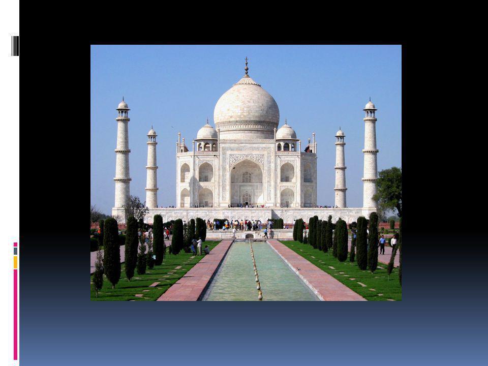 Es un complejo de edificios construido entre 1631 y 1654 en la ciudad de Agra, estado de Uttar Pradesh, India, a orillas del Yamuna, por el emperador