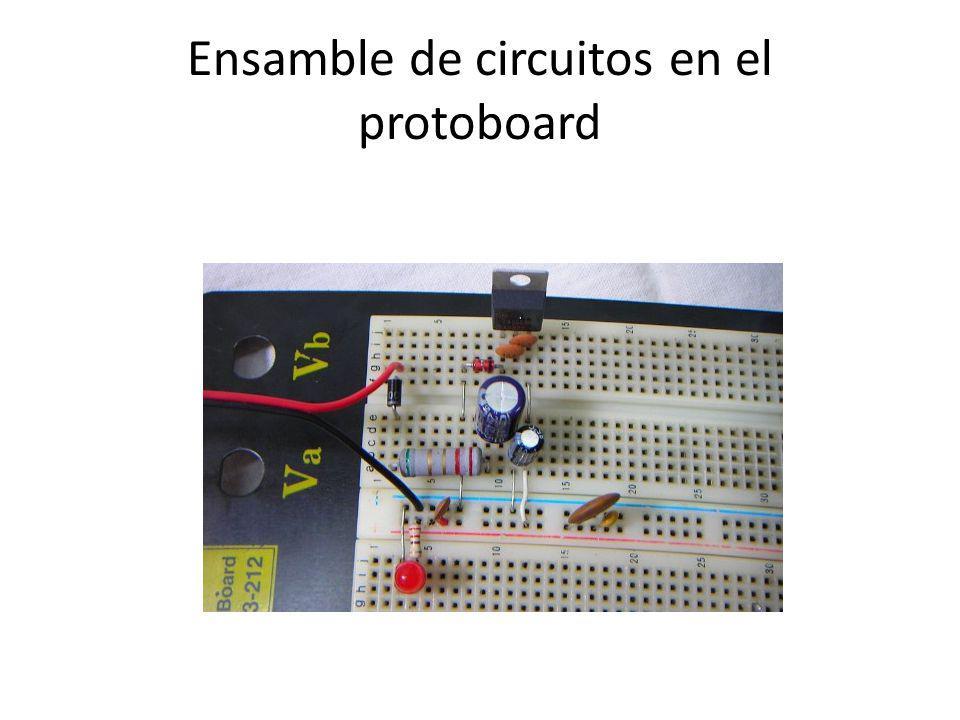 Ensamble de circuitos en el protoboard