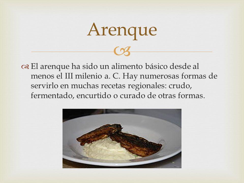 El arenque ha sido un alimento básico desde al menos el III milenio a. C. Hay numerosas formas de servirlo en muchas recetas regionales: crudo, fermen