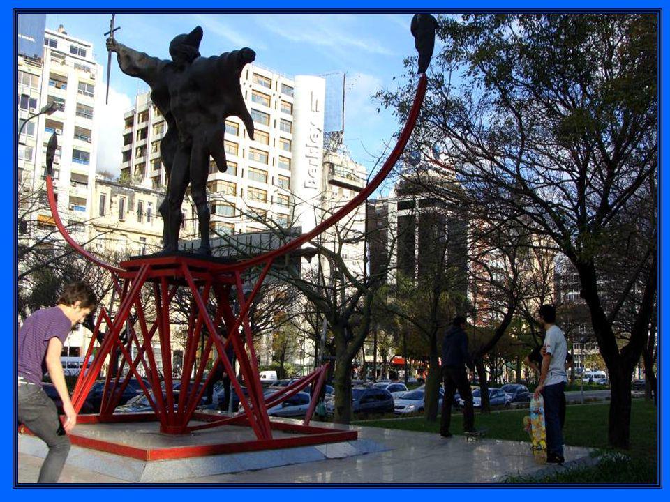 Música de Barenboim - piano Carlos Gardel Rodolfo Mederos – bandoneón Mi Buenos Aires querido Héctor Console - baixo