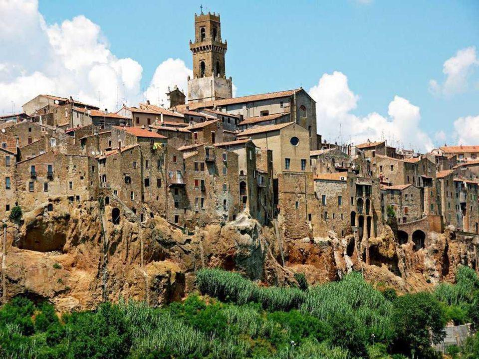 PITIGLIANO Pitigliano es una localidad y comuna en la provincia de Grosseto en la Toscana italiana. Tiene 4.167 habitantes (2001). Está situado sobre