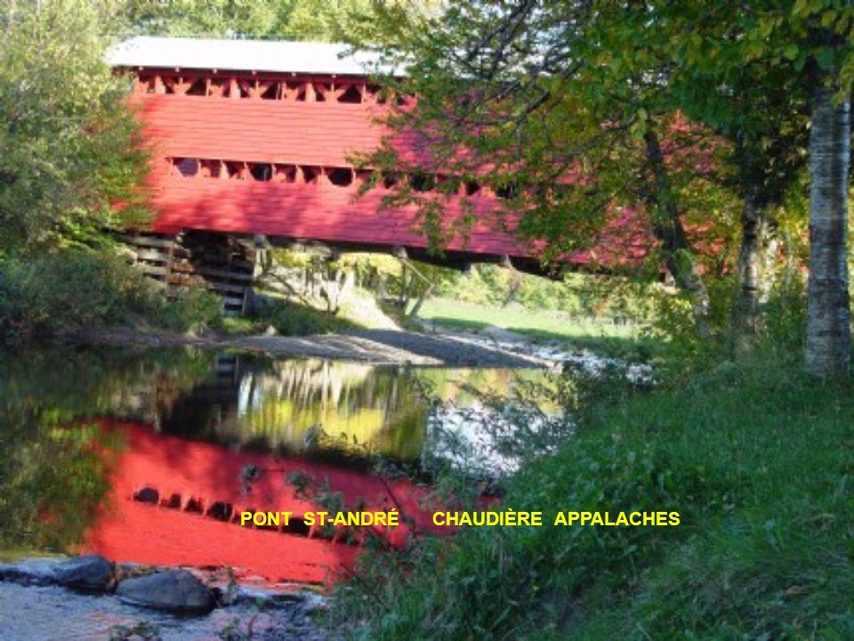 Un pont couvert est un pont construit en bois.
