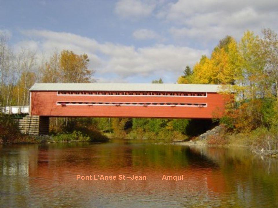 Un simple pont ouvert construit avec des poutres et un tablier possédait une espérance de vie assez limitée, dix ou vingt ans. Après, il commençait à