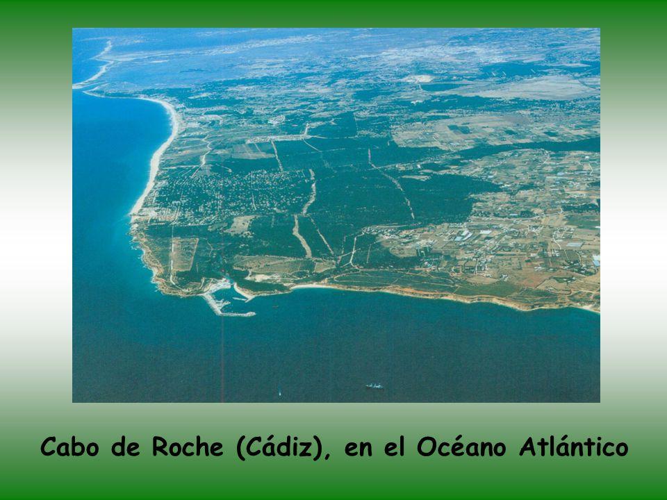 Desembocadura del río Gualdalete en el Puerto de Santa María (Cádiz)