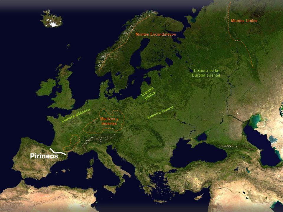 Llanura atlántica Llanura central Llanura báltica Llanura de la Europa oriental Pirineos Montes Escandinavos Montes Urales Macizos y mesetas