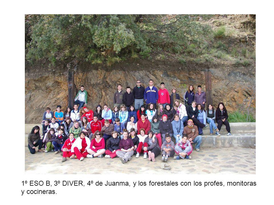 1º ESO B, 3º DIVER, 4º de Juanma, y los forestales con los profes, monitoras y cocineras.