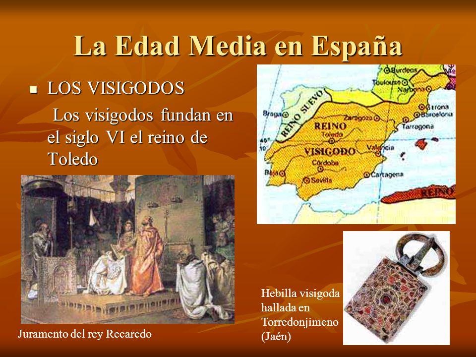 La llegada al Nuevo Mundo El 12 de octubre de 1492 RODRIGO DE TRIANA El 12 de octubre de 1492 el vigía RODRIGO DE TRIANA gritó: ¡¡¡TIERRA!!.